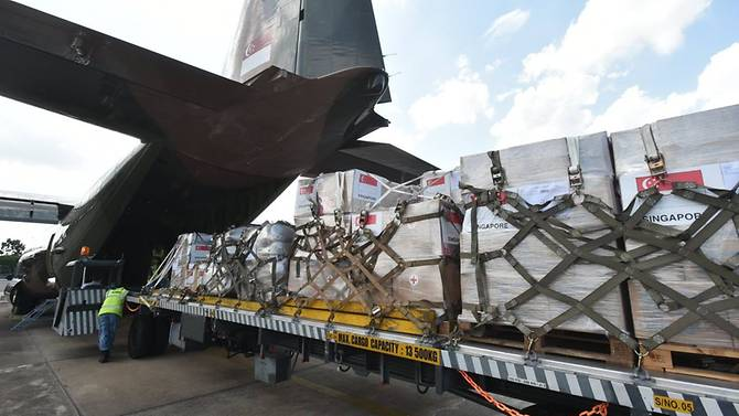 c-130-carrying-supplies-to-marawi-evacuees